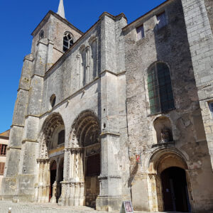 Collegiale Avallon